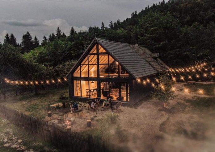 Cele mai frumoase momente petrecute intr-o cabana munte